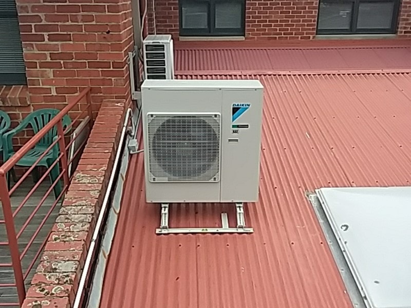 Daikin outdoor on roof bracket