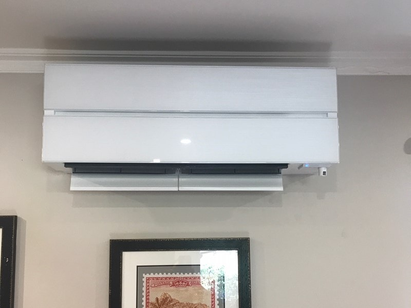 Mitsubishi Electric LN (Pearl White)
